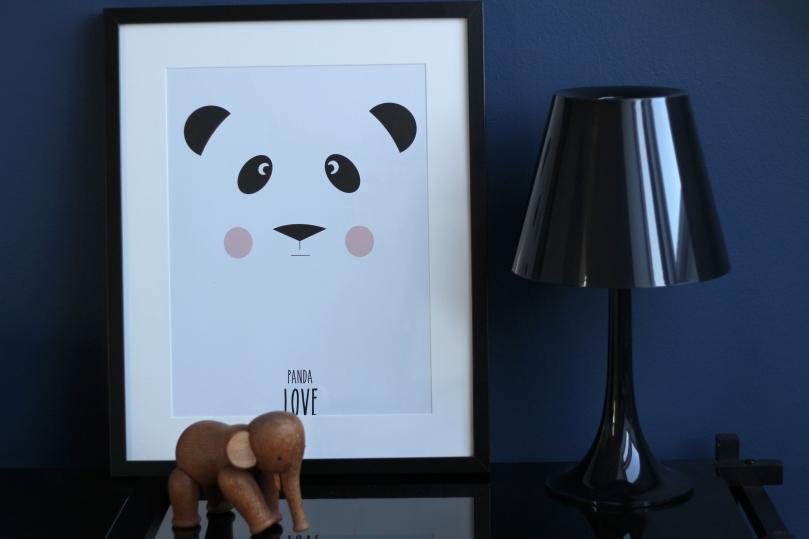 eef-lillemor-plakat-panda-love-pa-bornevaerelse